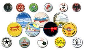 Сувенирные значки от Флагман – популярная продукция для туристов