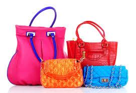 В интернет-магазинах вы сможете с легкостью купить модные брендовые аксессуары