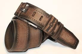 Кожаный ремень — важный аксессуар в облике мужчины